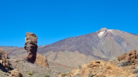 Roque_Cinchado,_Parque_Nacional_del_Teide,_Tenerife,_España,_2012-12-16,_DD_02